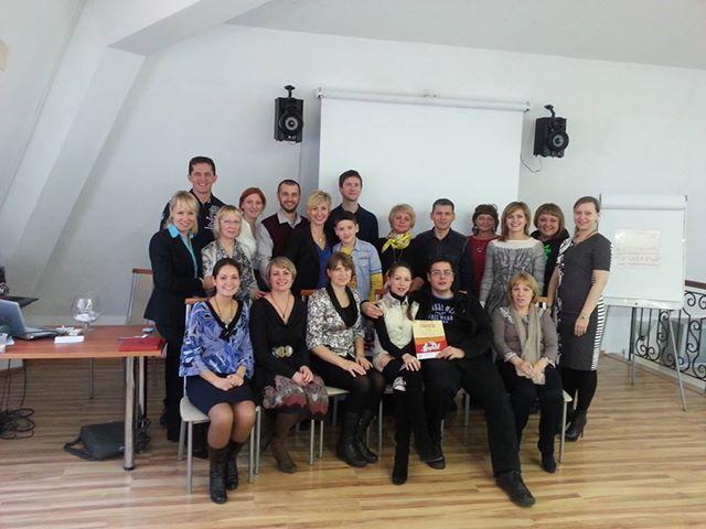 На фото финалисты, партнеры и организаторы  Фестиваля Го и Стратегии